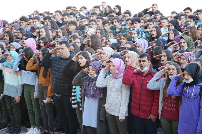 Beyşehir'de 'maskeme değil, gözlerime bak' farkındalık etkinliği