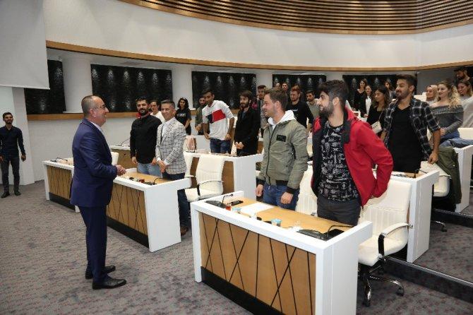 Başkan Kavuş üniversite öğrencileriyle buluştu