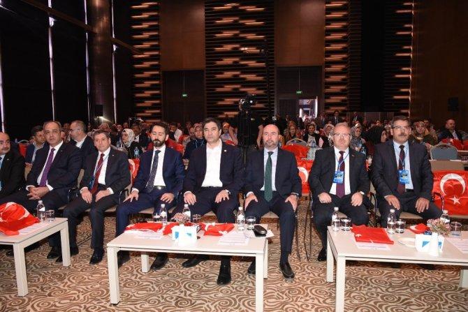 """Konya'da """"Yerel yönetimler sosyal diyalog"""" sempozyumu yapıldı"""