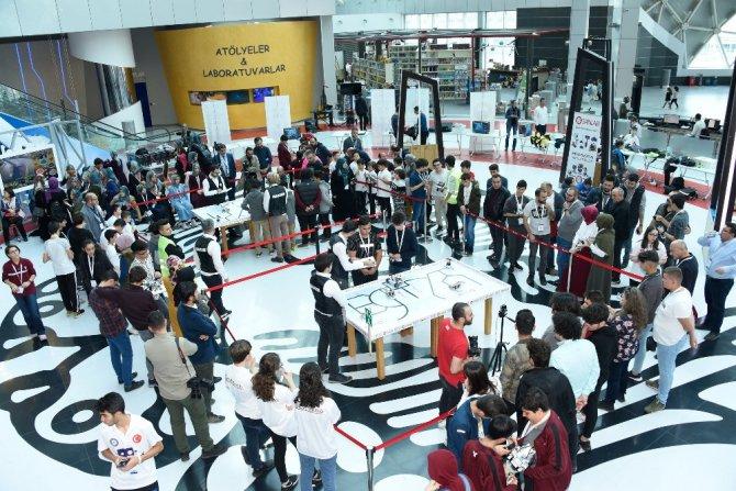 Türkiye'nin Robotları Konya Bilim Merkezi'nde yarıştı