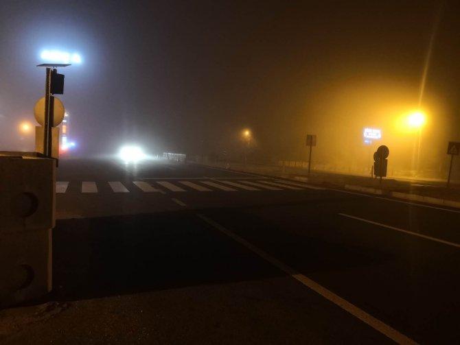 Aksaray'da yoğun sis trafiği olumsuz etkiliyor