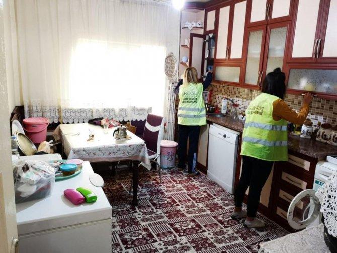 Ereğli Belediyesi evde bakım hizmetlerine devam ediyor