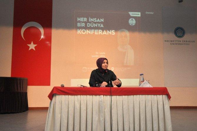 Leyla Şahin Usta NEÜ'de gençlerle buluştu
