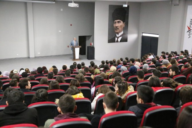 ASÜ Rektörü Şahin öğrencilerle buluştu
