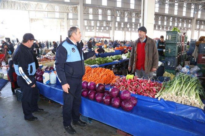 Aksaray'da semt pazarları zabıtanın kontrolünde