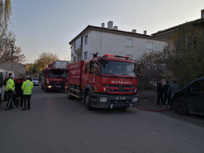 Aksaray'da elektrikli soba yangına neden oldu