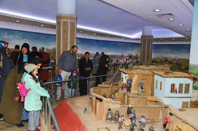 Konya Panorama ve Şehitler Abidesi Mevlana dostlarıyla dolup taşıyor