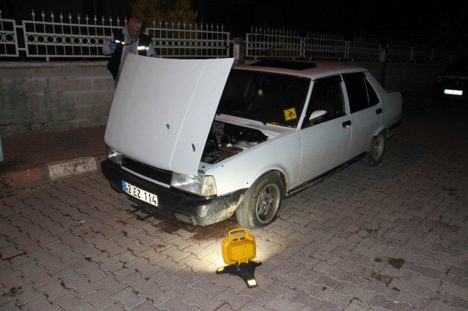 Seyir halindeki otomobile kurşun yağdırdılar