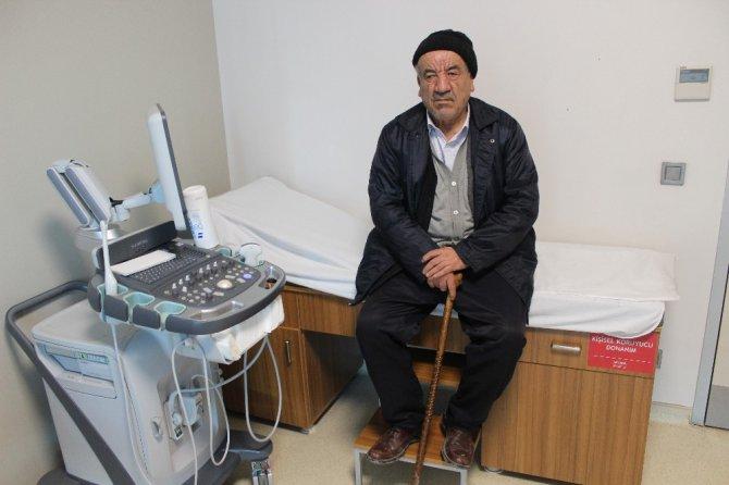 20 yıllık ağrılarından ameliyatla kurtuldu