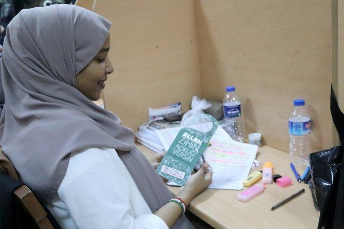 """Selçuklu Gençlik Merkezi'nden """"Allah zihin açıklığı versin"""" etkinliği"""
