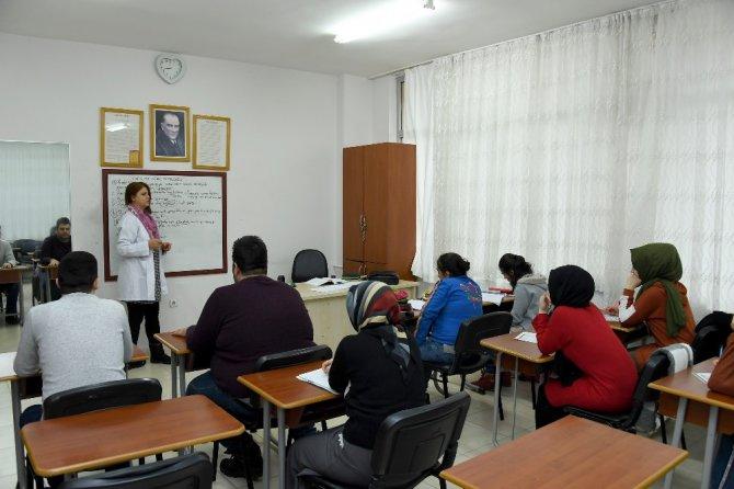 KOMEK'ten engelli vatandaşlar için EKPSS kursu