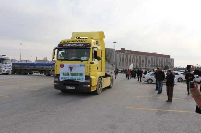 Konya'dan İdlib'e 19 tır yardım malzemesi yola çıktı
