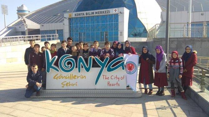 Hüyüklü öğrenciler Konya Bilim Merkezi gezisi