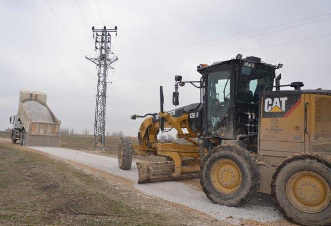 Ereğli Belediyesi yol bakım ve onarım çalışmalarına devam ediyor