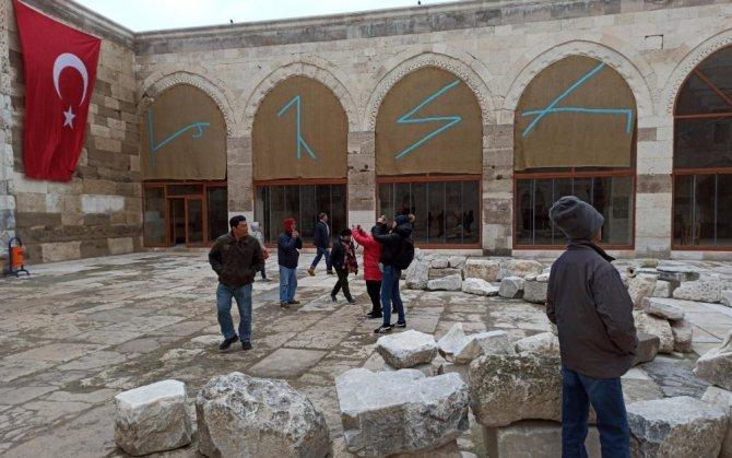 Sultanhanı Kervansarayı'na Uzakdoğulu turistlerden yoğun ilgi
