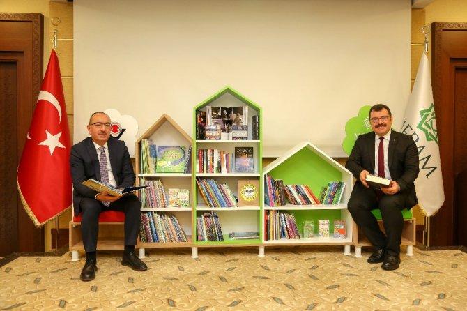 Meram'ın her okuluna TÜBİTAK kitaplığı kazandırılıyor