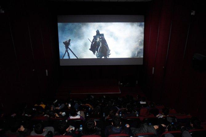 Konya'da öğrenciler sinemada tarihi yaşıyor