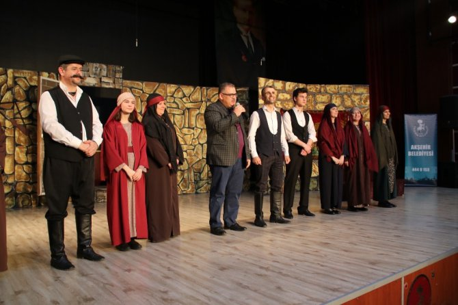 Akşehir'de 'Töre' oyunu sahnelendi