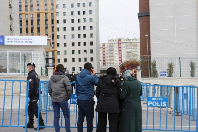 Konya'da umreden dönenlerin karantina süreci devam ediyor