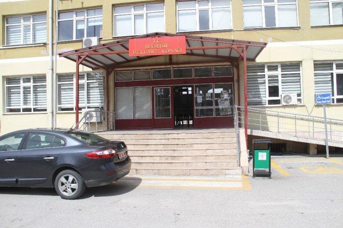 Karantinaya uymayarak evden çıkan gurbetçi çifte ceza