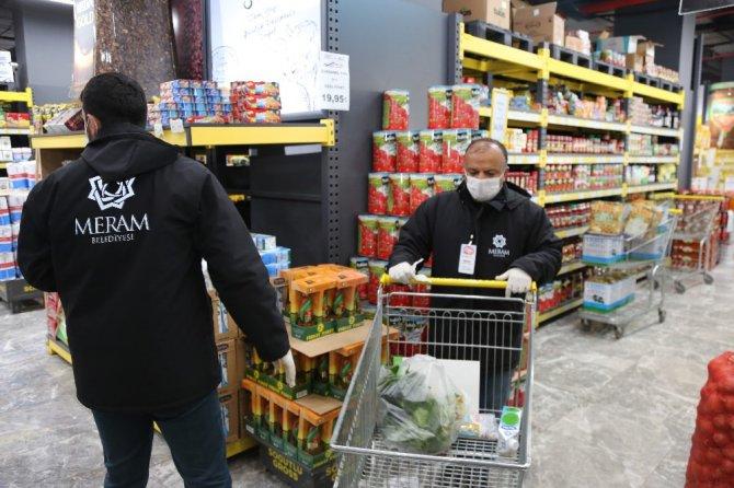 """Başkan Kavuş: """"Yaşlılarımız sokağa çıkmasın, ihtiyaçlarını biz getirelim"""""""