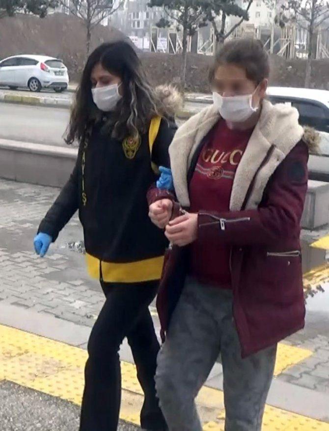 Arkadaşını pompalı tüfekle vuran genç kız ve 2 arkadaşı yakalandı
