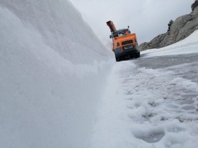 Kardan kapanan Seydişehir-Derebucak yolu trafiğe açıldı