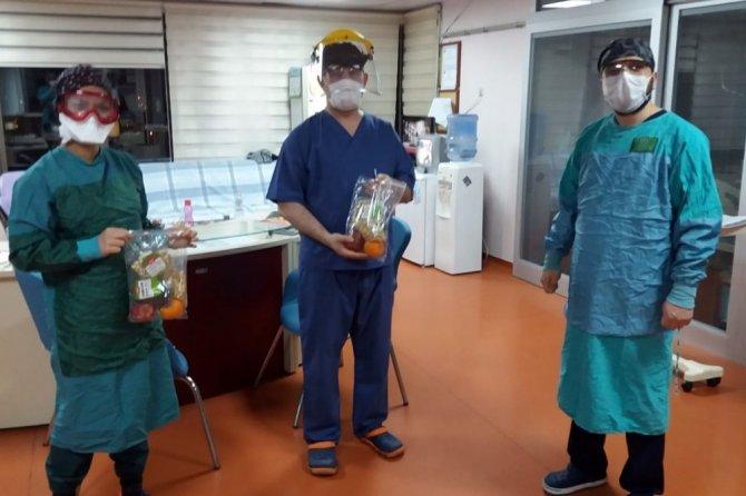 Konya'da sağlık çalışanlarına kandil ikramı
