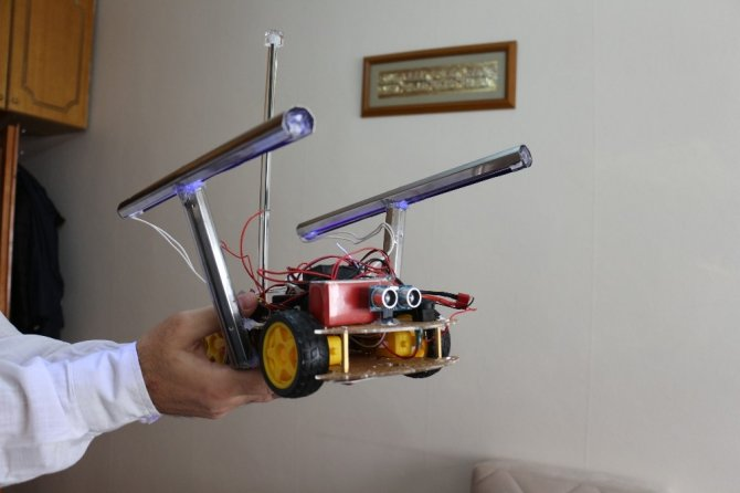 Ultraviyole ışınlarıyla Covid-19'u yok eden araba tasarladı