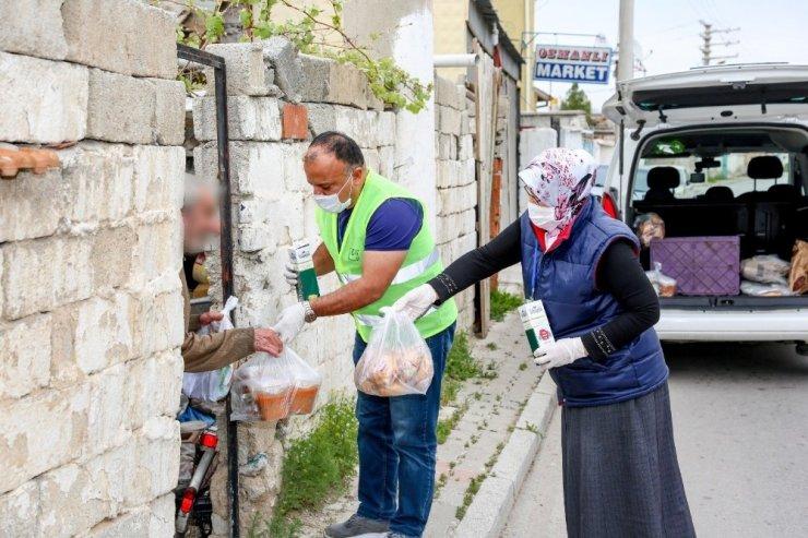"""Başkan Kavuş: """"Konya, yardımlaşma ve dayanışmanın en güzel örneklerinin sergilendiği şehirdir"""""""