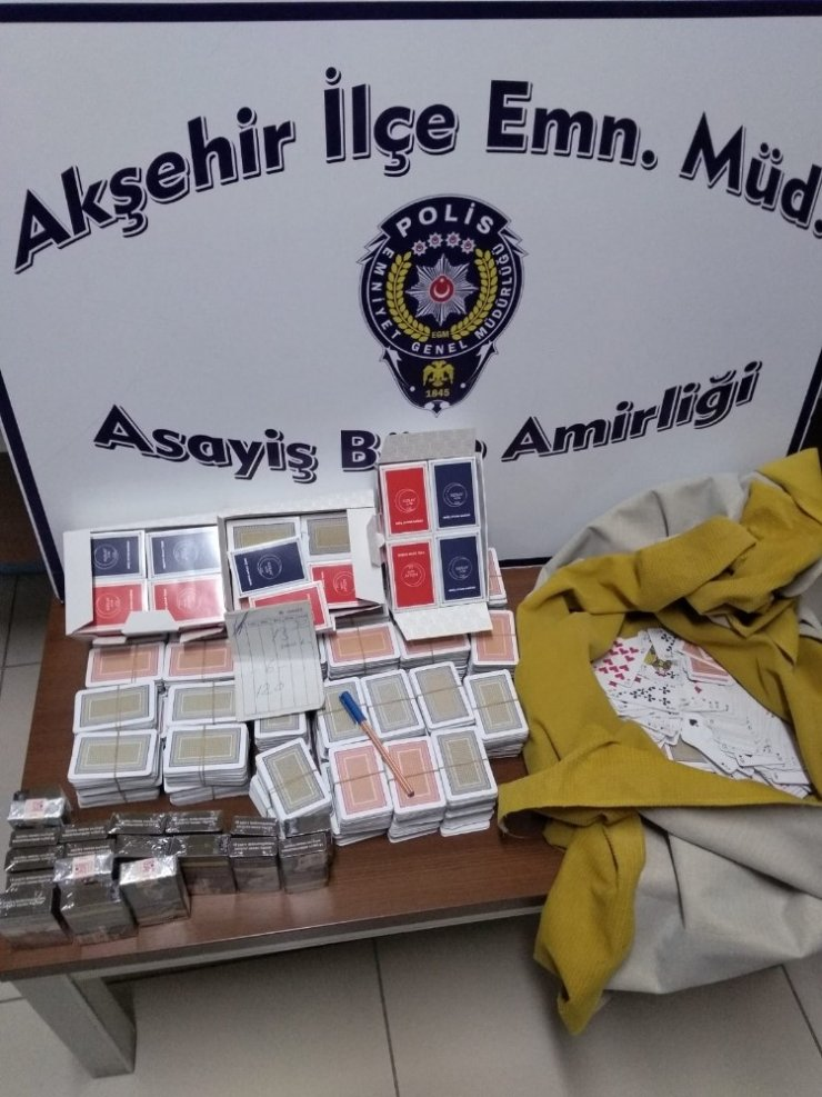 Akşehir'de kumar oynatılan eve baskın