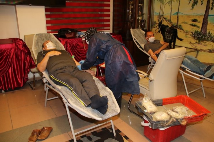 Başkan Akkaya ve belediye personeli kan bağışı yaptı