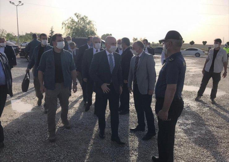 Ulaştırma Bakanı Karaismailoğlu hızlı tren hattı çalışmalarını inceledi