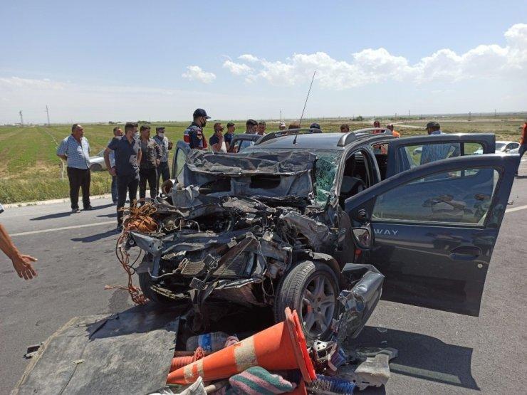 Otomobil yol denetim kamyonetine arkadan çarptı: 3 yaralı