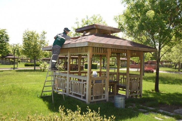Karatay'ın parkları normalleşme dönemi için hazır