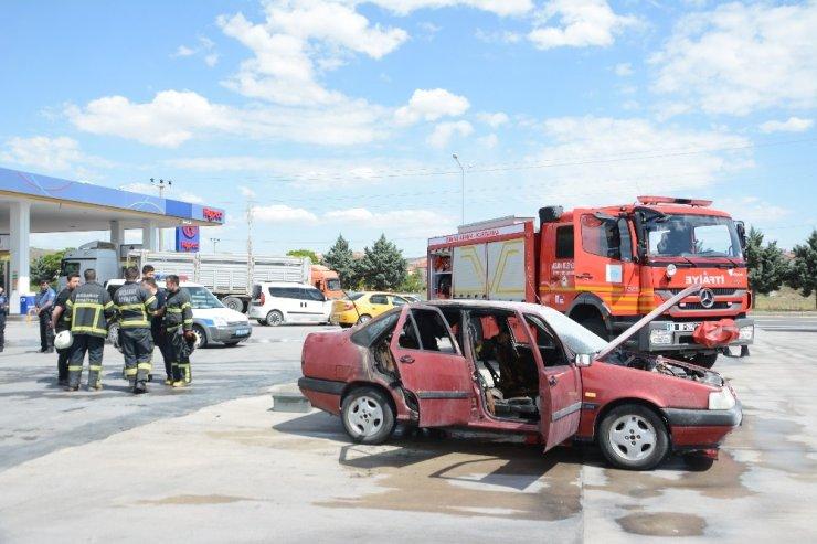 Aksaray'da otomobil yangını