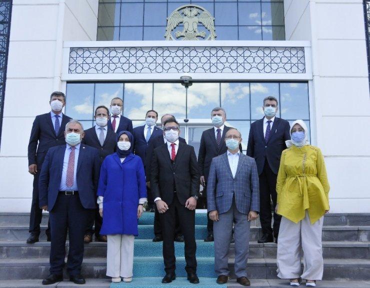 AK Parti heyetinden Rektör Aksoy'a ziyaret