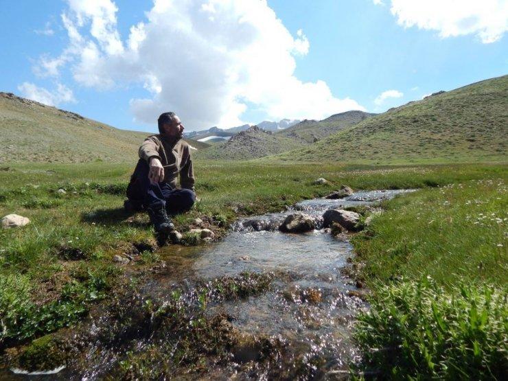 Dört mevsimin yaşandığı Geyik Dağı'ndan kartpostallık görüntüler