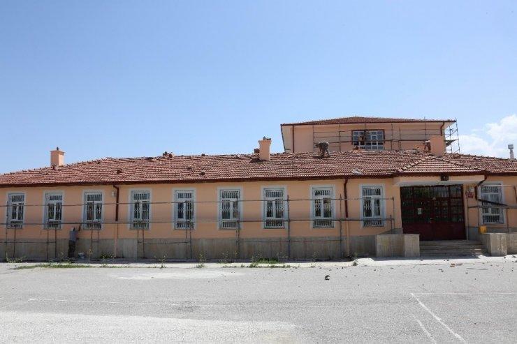"""Başkan Kavuş: """"Okullarımız öğrencilerini yeni eğitim yılında yeni çehreleriyle karşılayacak"""""""