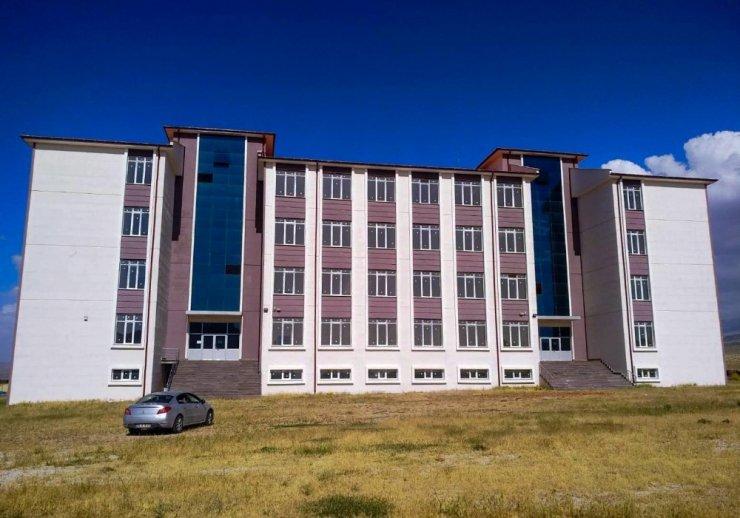 NEÜ Veteriner Fakültesi öğrencilerini bekliyor