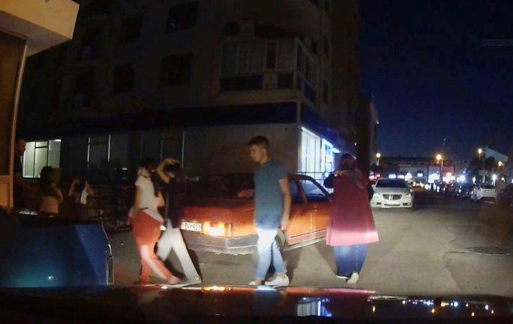 Korona virüsü yok saydılar, 5 kişilik otomobilden 10 kişi çıktı