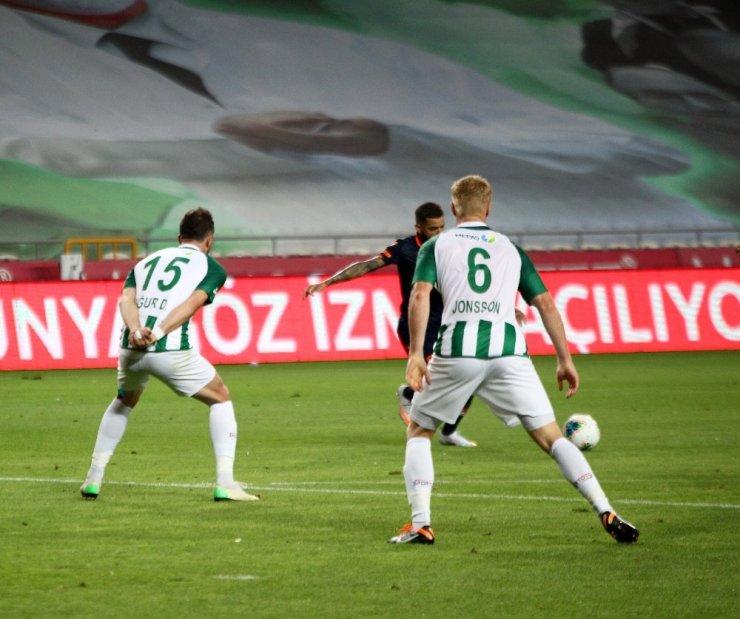 Süper Lig: Konyaspor: 3 - Başakşehir: 1 (İlk yarı)