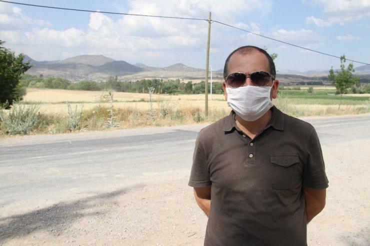 Beyşehir'de hububat tarlalarında hasat devam ediyor