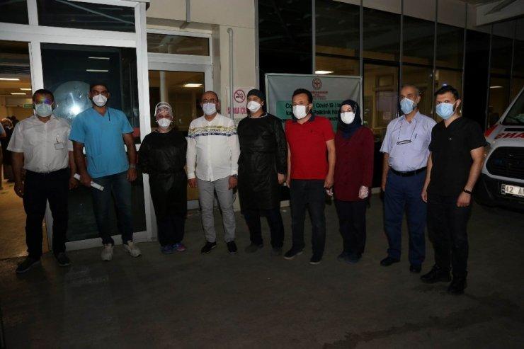 Başkan Kavuş'tan sağlık çalışanlarına destek ve moral ziyareti