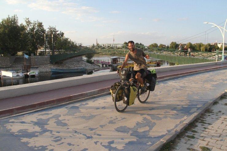 İspanya'dan dünya turuna çıkan bisiklet tutkunu Türkiye'yi geziyor