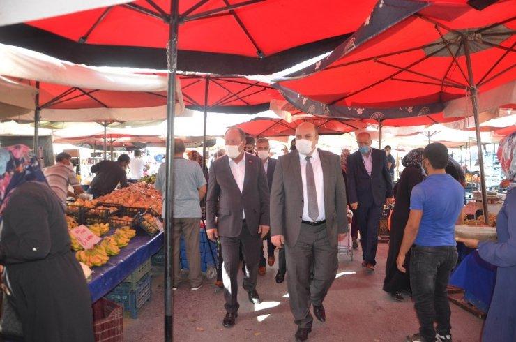 Başkan Oprukçu'dan semt pazarına Covid-19 denetimi