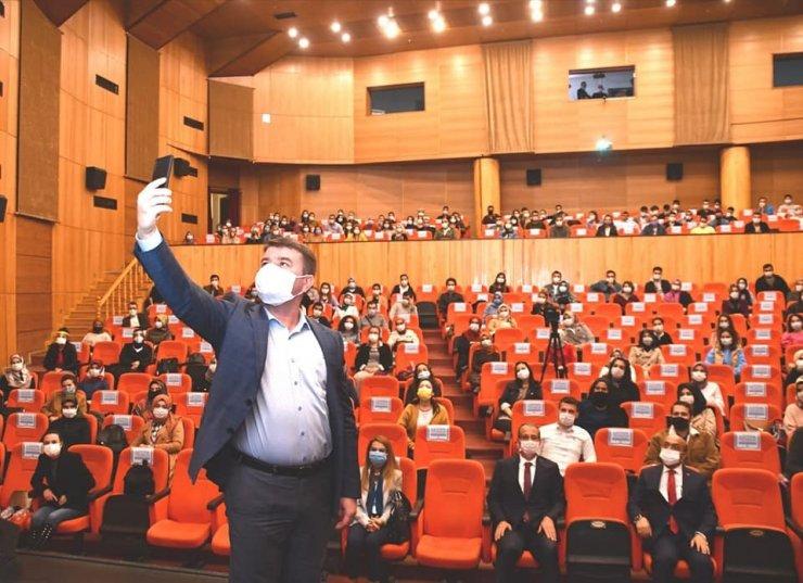 Başkan Dinçer Aksaray'a yeni atanan öğretmenlerle bir araya geldi