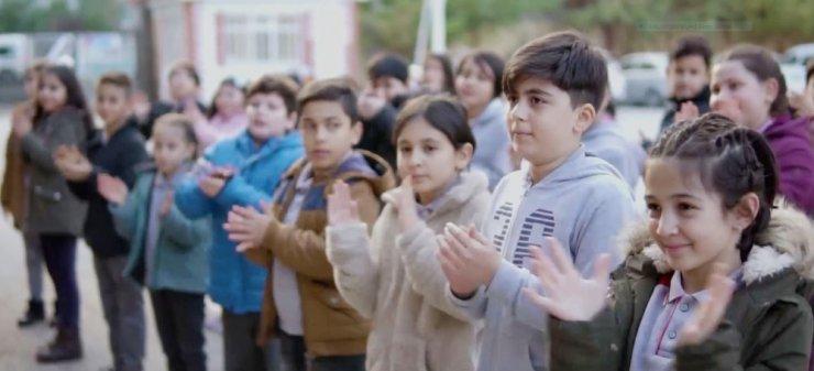 """Aksaray protokolü öğrenci yoklamasıyla öğretmenlere """"Buradayız"""" dedi"""
