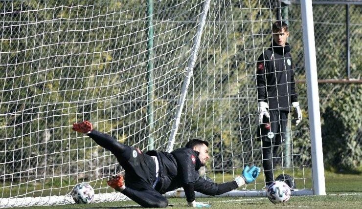 Kupada farklı kazanan Konyaspor, Alanyaspor hazırlıklarını sürdürdü