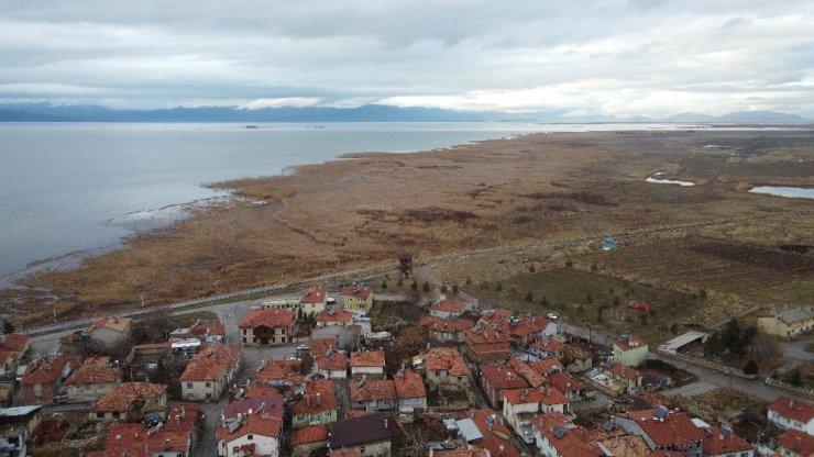 Beyşehir Gölünde su seviyesi azalıyor